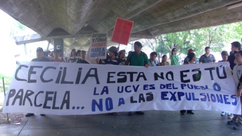 Students protest against expulsions in the UCV