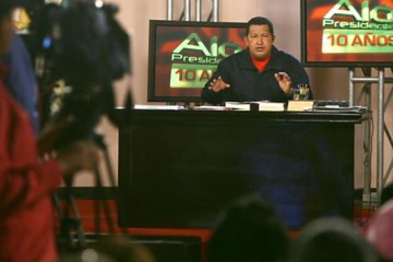 """President Hugo Chavez marking 10 years of """"Hello President"""" (MINCI)"""