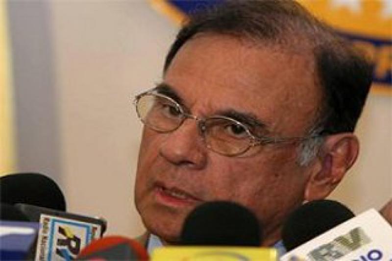 Venezuela's Finances Minister, Alí Rodríguez Araque, presents the 2010 budget (YKVE Mundial)
