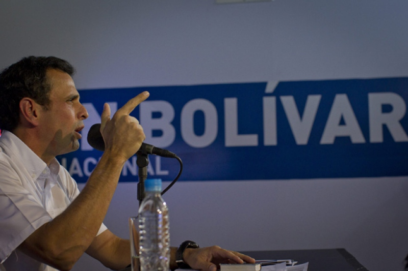 Opposition leader Henrique Capriles at a press conference on Wednesday (Boris Ve