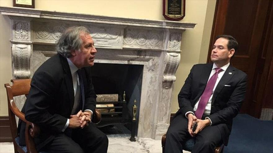 OAS Secretary General Luis Almagro and right wing US Senator Marco Rubio during a meeting in February 2018 to discuss actions against Venezuela. (Archive)