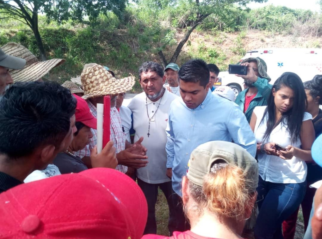 On day 5, the Admirable Campesino March received a visit by Luis Solteldo, Deputy Minister of Land and President of the National Institute for Land.