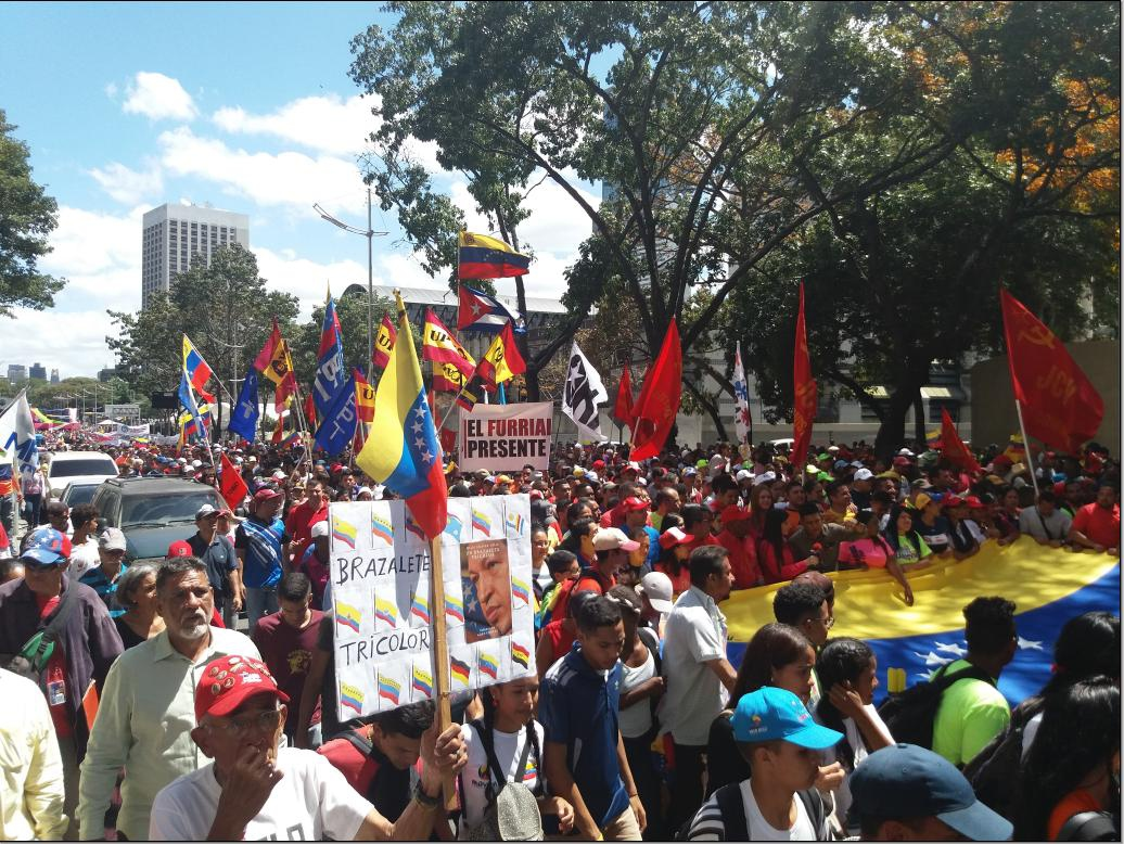 Pro-government supporters filled Caracas' centre Tuesday (Ricardo Vaz)