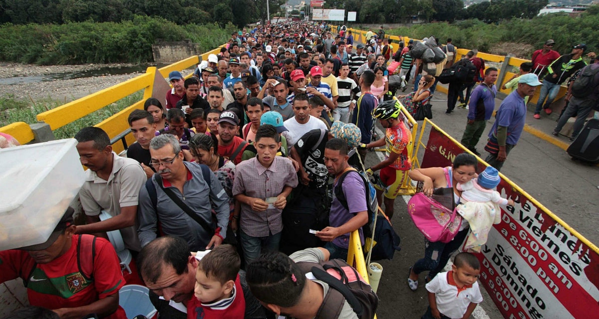 Venezuelans crossing the frontier, Simón Bolívar Bridge, Cucuta, Colombia.