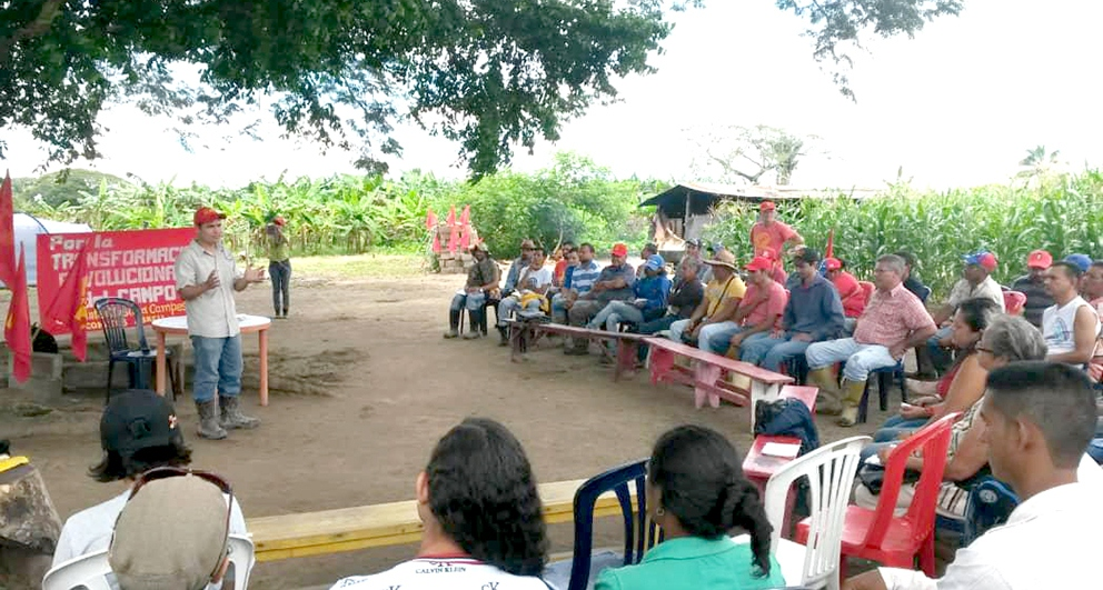 Nicomedes Abreu Campesino Current, the PCV's campesino front, in an assembly. (Corriente Campesina Clasista Nicomedes Abreu). (Tribuna Popular)