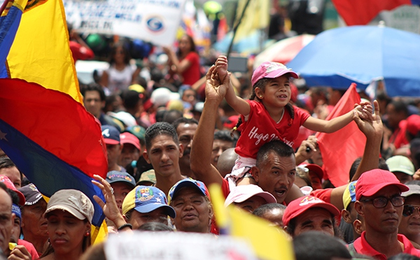 Workers lead a colorful march in defense of labor rights and the Bolivarian Revolution, May Day 2018 (Credit:  Eduardo Viloria Daboín/CBRZ.org)