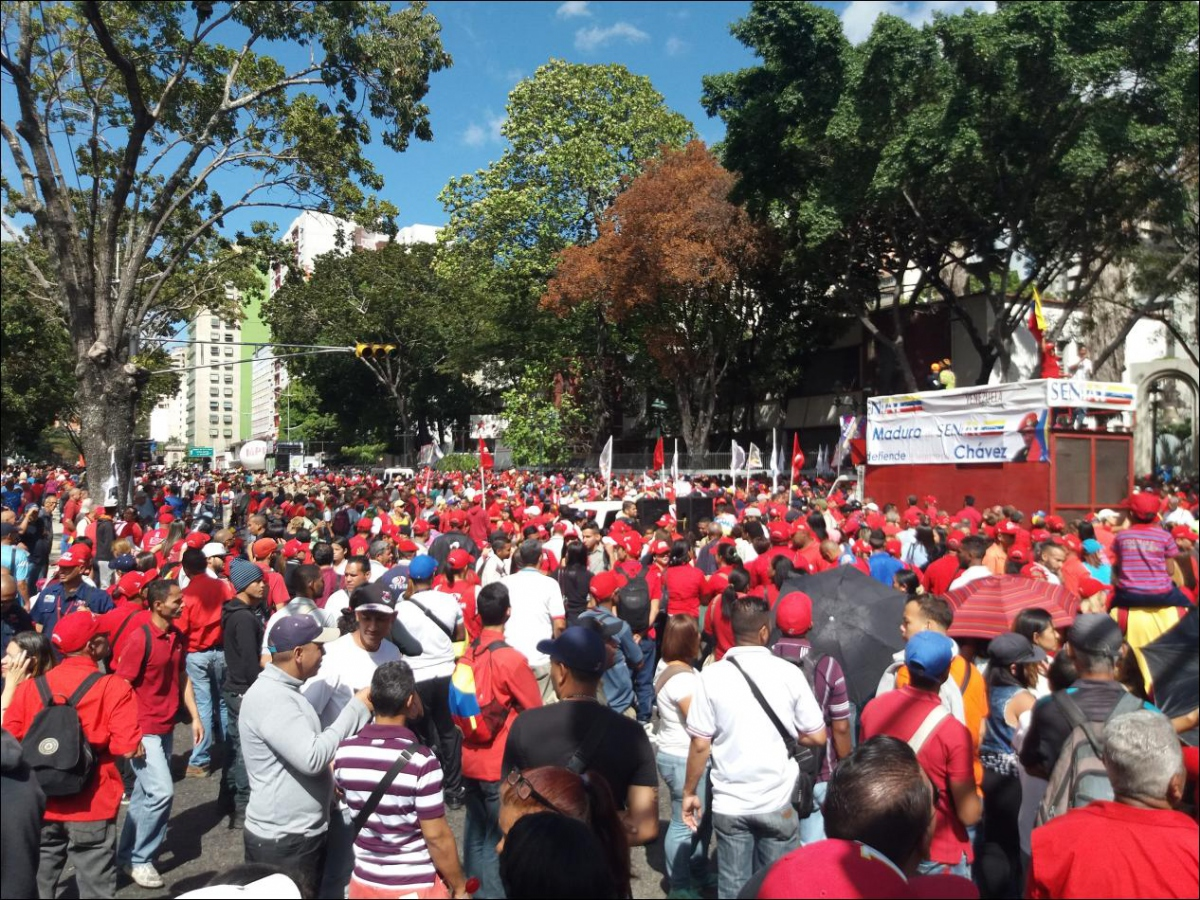 As crowds gathered, several stages and trucks played music, and political leaders gave speeches (Ricardo Vaz)
