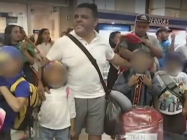 The children were prevented from boarding their flight by Venezuelan authorities at the Maiquetia International Airport. (PanamericanaTelevision)