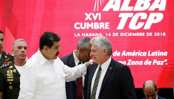 Venezuela's President Nicolas Maduro (L) talks to Cuba's President Miguel Diaz-Canel during the 16th Bolivarian Alliance for the Peoples of Our America-Peoples Trade Agreement (ALBA-TCP) Summit in Havana, Cuba, Dec. 14, 2018.(Reuters)