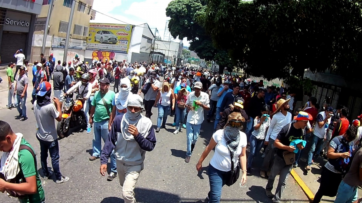 Meanwhile, on the other side of town, opposition supporters marched from Altamira Square to Chacaito, a, a traditional point of mobilisation for the Right in the wealthy district of Caracas. (Katrina Kozarek)