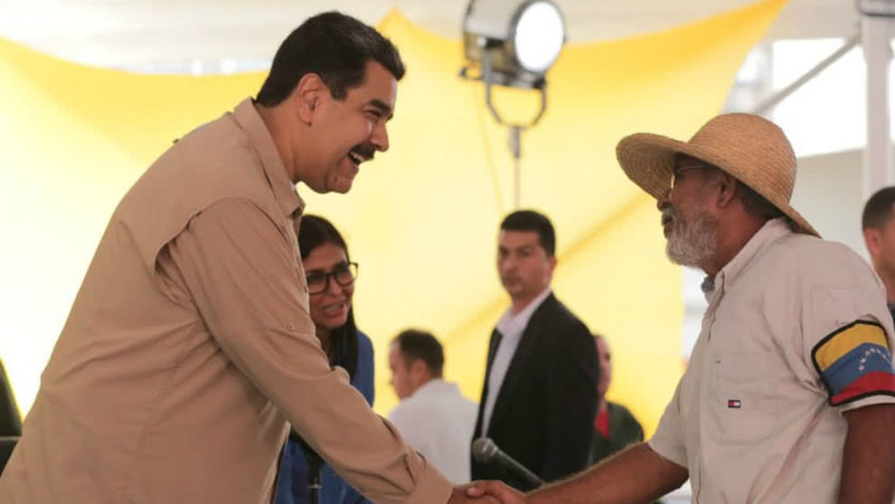 Arbonio Ortega greets President Nicolas Maduro in the August 2 meeting