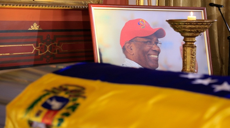 The Venezuelan government paid tribute to Aristóbulo Istúriz and awarded him posthumously with the Order of Libertadores and Libertadoras. (Twitter/@RosangelaOrozco)