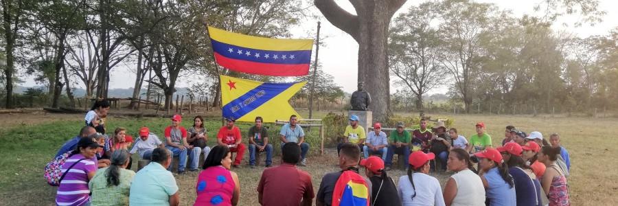 An assembly at El Maizal Commune. (Cira Pascual Marquina/Venezuelanaysis)