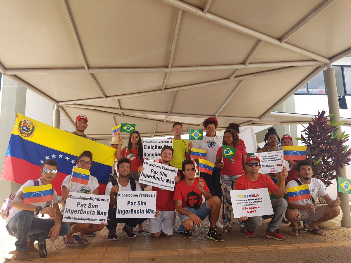 Brazil:  Youth From Brazilia Join The Day Of Solidarity With Venezuela