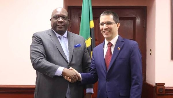 Venezuelan Foreign Minister Jorge Arreaza began his diplomatic tour last Tuesday with the aim to deepen ties of cooperation and friendship with the Caribbean nations.(@CancilleriaVE / Twitter)
