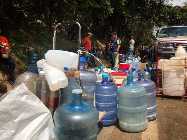 Caracas residents have been particularly hard hit by water shortages in recent years. (Reference)