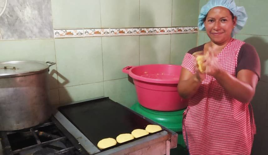 Arepas (cornflour patties) are a staple in the Venezuelan diet. (Marco Teruggi / Sputnik)