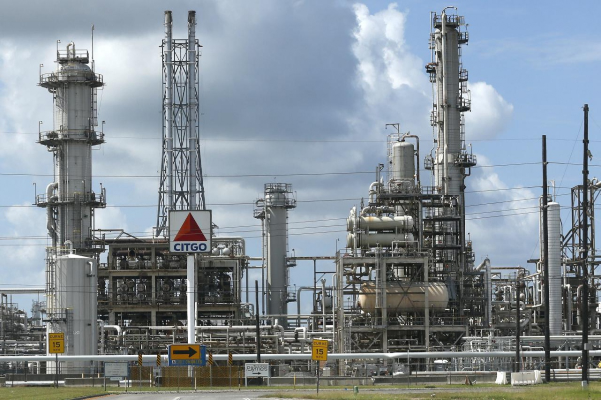 Citgo refinery in Sulphur, Louisiana. The PDVSA subsidiary will be at the heart of legal battles as Guaido tries to take control. (Jonathan Bachman / Reuters)