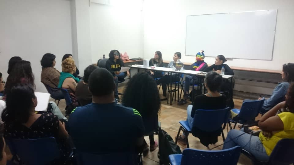 Comadres Púrpuras organized a public debate on abortion on September 25. (La Clase)