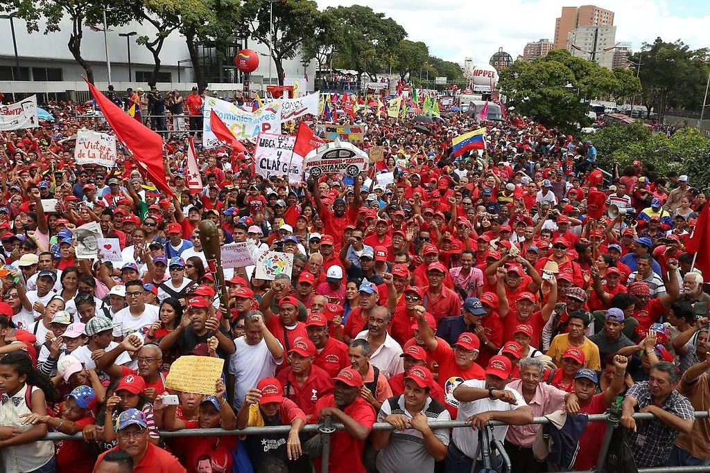 Chavistas turned out in force in Caracas this Saturday (@Manueldelborneo / Twitter)