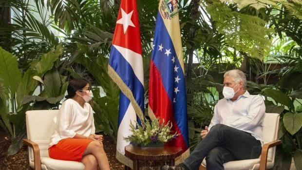Venezuela's Vice President Delcy Rodríguez (left) meets Cuban President Miguel Díaz-Canel in Havana. (@delcyrodriguezv / Twitter)