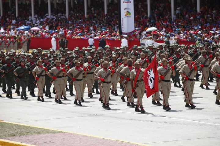 Venezuela needs to adopt the policies the Cubans followed in 1959-62: the expropriation of all multinational property, and raising a workers' and peasants' army (Cancillería del Ecuador)