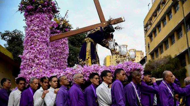 A number of religious processions paid tribute to the resurrection of Jesus Christ, often ending in mass. 76 churches and temples were given extra security to safeguard their activities this week, according to government sources. (AFP)