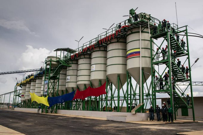 The Manuel Carlos Piar gold extraction and processing complex was inaugurated in Bolivar State on Wednesday. (@CVMVenezuela / Twitter)