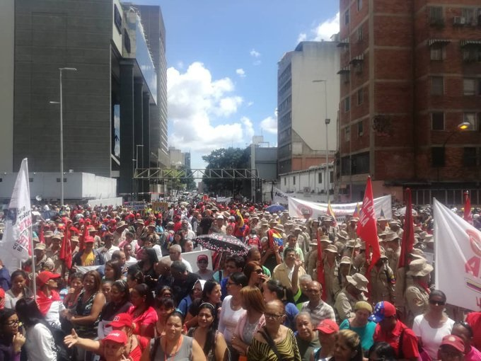 Grassroots movements in Caracas hold an Anti-Imperialist Tribune at Llaguno Bridge in support of ousted Bolivian President Evo Morales. (@PartidoPSUV / Twitter)