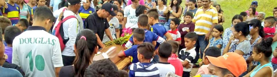 Funeral of Kender Garcia, a 16-year-old campesino killed on September 19. He is the son of campesino leaders who rescued land of Predio Montecarlo in the Sur del Lago and the fifth victim of the oligarchy's violence since May of this year. (CRBZ)