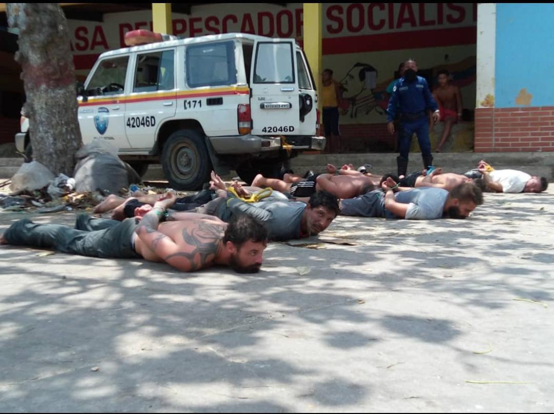 A second group of combatants were captured off Chuao, Aragua State on Monday. (RCamachoVzla)