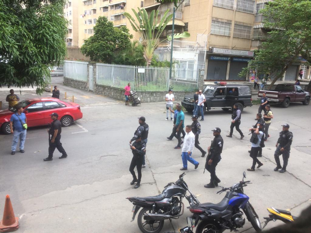 Despite the FAES insignia, security forces were later revealed to be an anti-drug commando from the Bolivarian National Police. (@Lucha_Campesina)