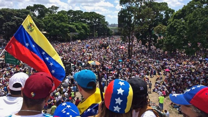 The opposition failed in 2017 because it could not penetrate the working-class and poor areas. Even now, opposition support in the barrios is limited, and Guaidó's 30 Jan rally was a flop (Archives)
