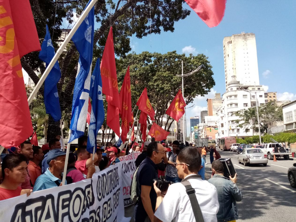 Chavista parties and trade unions staged a protest in defense of labor rights on Thursday. (Ricardo Vaz)
