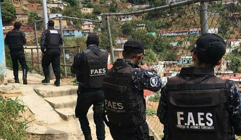 Special Forces enter the Cota 905 barrio in Caracas in July. (Archive)