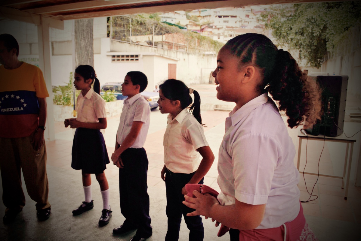 School children in Antimano, Caracas. (Rachael Boothroyd Rojas)