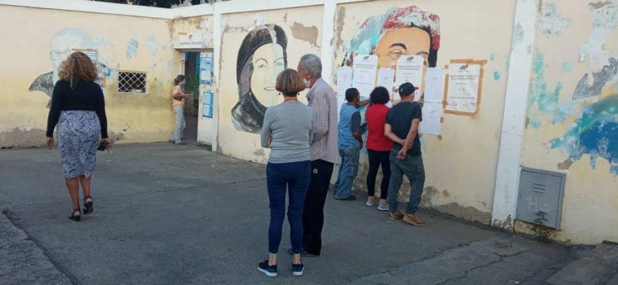 Gabriela Mistral polling center in 23 de Enero, Caracas, on December 6. (Venezuelanalysis)