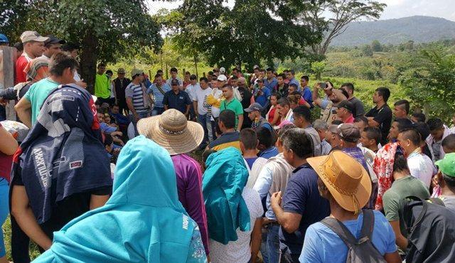 Displaced campesinos from the cross-border Catatumbo region flock to Venezuela. (LaTabla)