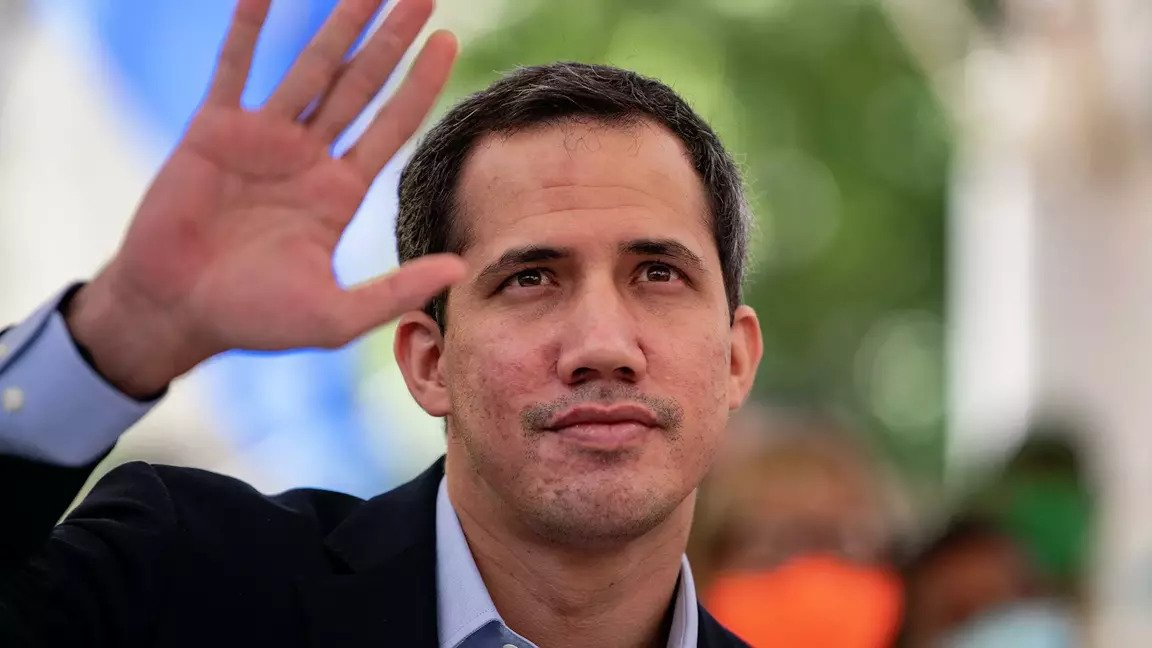 """Hardline politician Juan Guaidó denied the reported deal with ConocoPhillips and claimed that the court's document made a """"mistake."""" However, the text cites his lawyers' direct communication. (AFP)"""