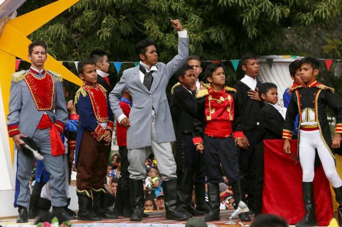 Bolivar costumes in carnival
