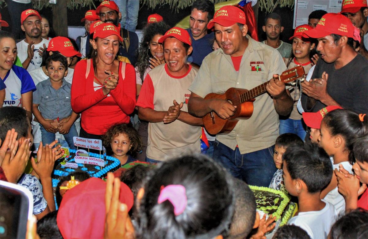 Anniversary of El Maizal Commune: Birthday cake for all