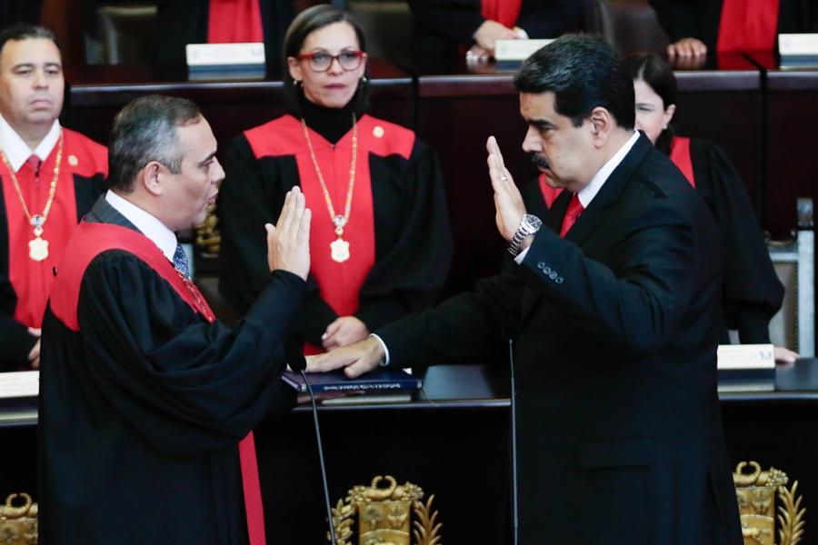 Maduro was sworn in by Supreme Court President Maikel Moreno. (Presidential Press)