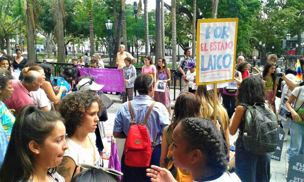 Some of the feminist organizations in the alternative march expressed concern that the new Vice Presidency of the PSUV for Religious Affairs could violate the secularism of the state guaranteed in the Bolivarian Constitution of Venezuela.