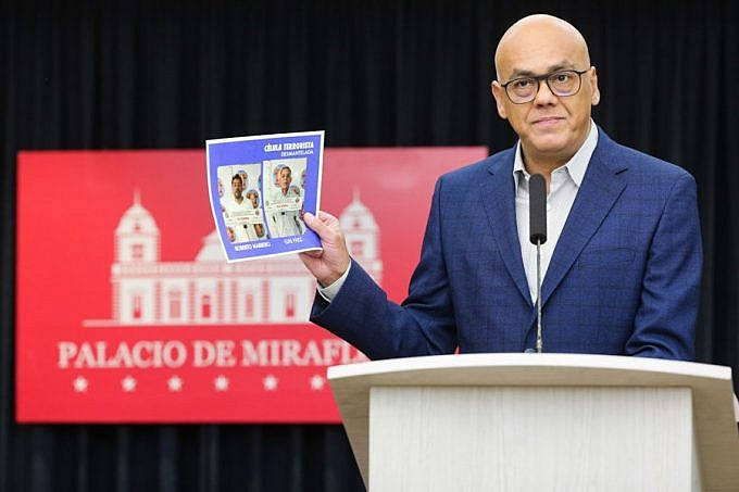"Communications Minister Jorge Rodriguez presented what he claimed was evidence of  ""ultra-right plans to promote regime change."" (Presidential Press)"