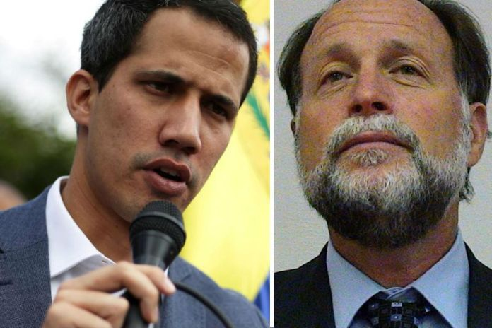Ricardo Hausmann (right) is one of the neoliberal advisors to Juan Guaido (left) (Archive)