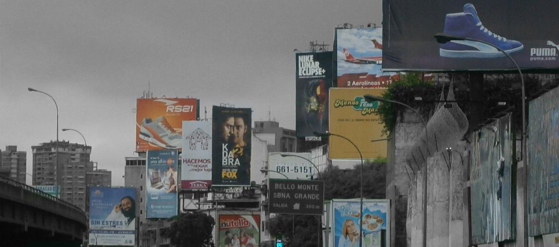 Billboards abound in the Caracas highways. (Lasvallasdecaracas)