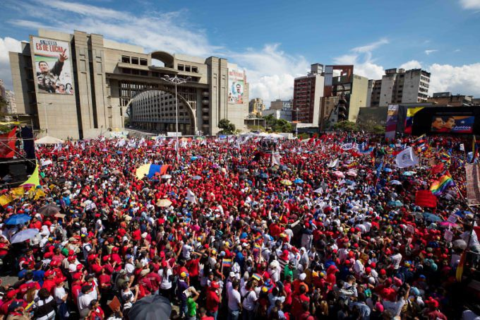 Overlooking the High Supreme Court and the CNE Electoral offices, the Diego Ibarra Square was the rally point for the mass activity. (EFE)