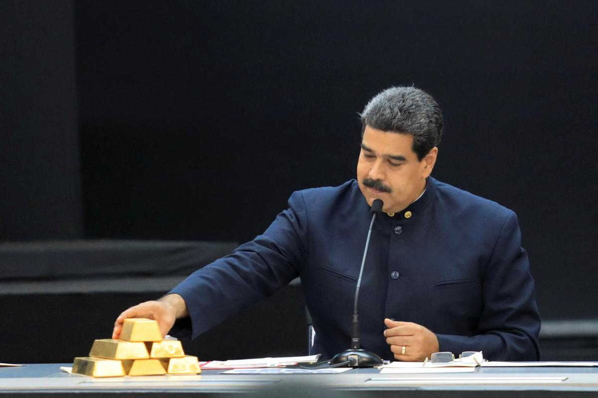 President Nicolas Maduro is promoting a savings plan in gold as part of his economic reforms. (Marco Bello / Reuters)
