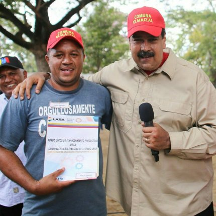 President Maduro and leading member of El Maizal commune Angel Prado on a recent campaign activity in Lara State (Presidential Press)