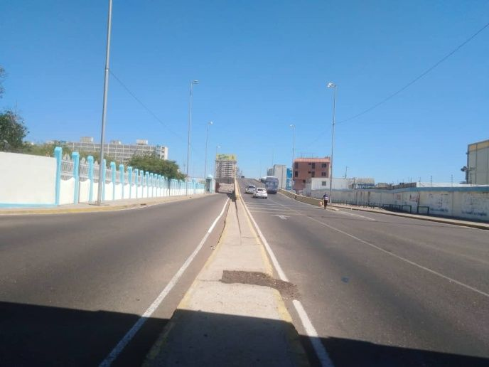 The second city of Maracaibo in the west also awoke to empty streets. (Panorama)
